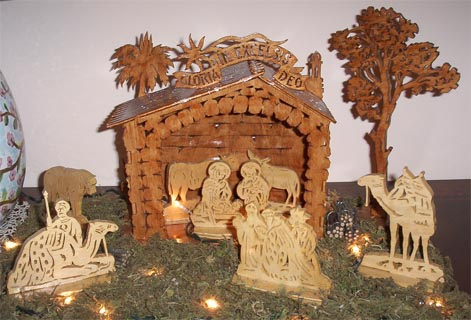 wooden scroll saw nativity scene, nativity set, crib, virgin Mary, Jesus